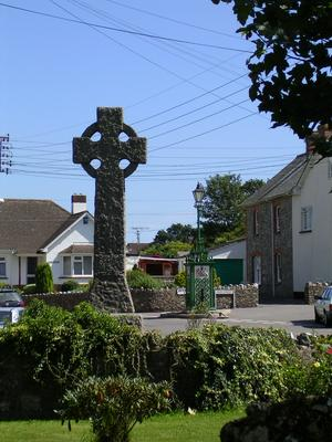 The War Memorial & Parish Pump