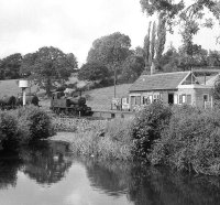 1470 simmers in the sunshine by the River Culm, Hemyock in a lull between workings, 04/09/1962, image © Robert Darlaston, www.robertdarlaston.co.uk